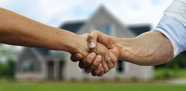 Qu'est-ce qu'un mandataire immobilier ? Quel est son rôle ?