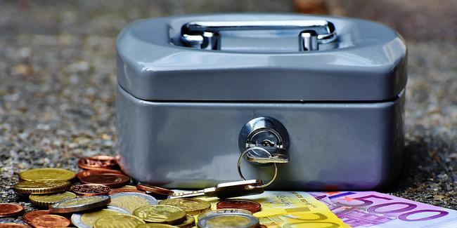 Crédit immobilier : faut-il emprunter même si on peut payer comptant ?